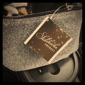 Shoes - Super cute flats in a Super sexy bag u can cart